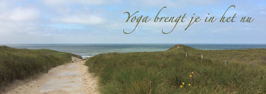 duinen, strand, yoga brengt je in het nu